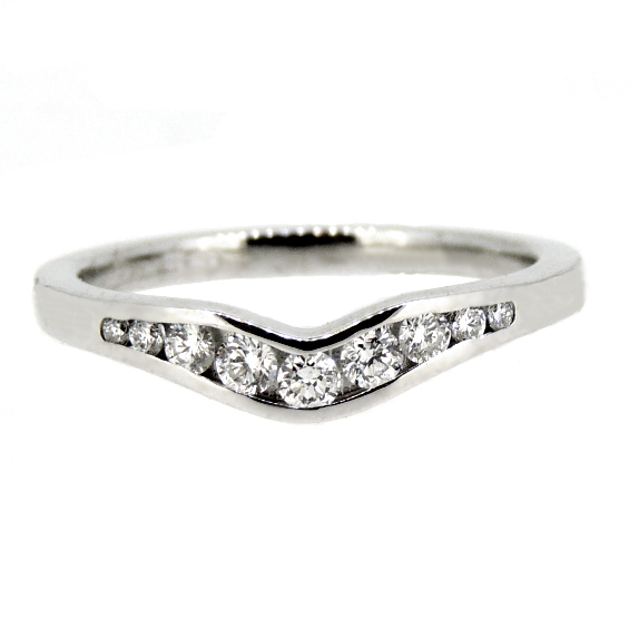 18 ct Shaped Wedding Ring