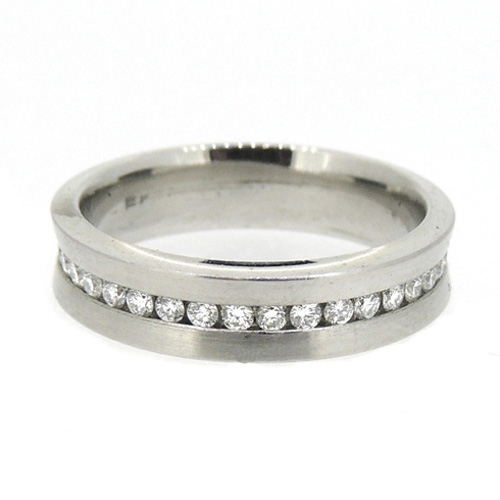 Platinum band with diamonds around the middle