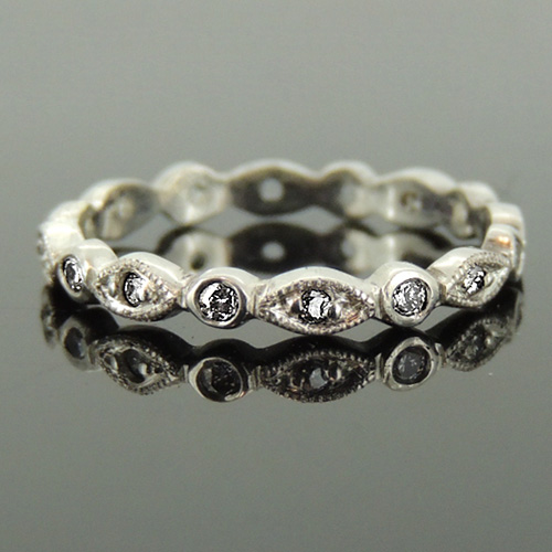 Vintage-Style-Wedding-Ring-18-ct-White-Gold